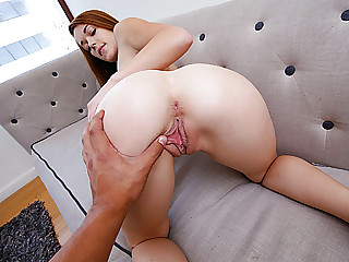Young tight pussy fuck