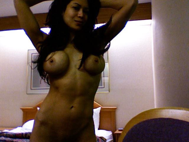 free pictures of fully naked ugly solo girls